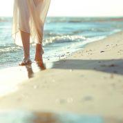 goodfon.ru_Woman_Sea_Sand