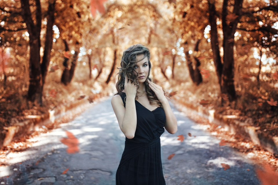goodfon.ru_autumn-s-road-osen