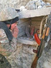 Armenian Soldier - Hay Zinvor